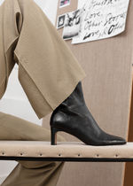 ☆& Other Stories新作☆Slim Block Heel Leather Boots(黒)