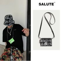 【SALUTE】REFLECTIVE PRITING ON PAISELY BANDANA CARD BAG