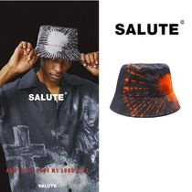 【SALUTE】TIE DYED GRAPHIC BUCKET HAT