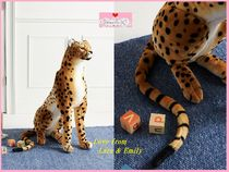 関税送料込【Anthro】Cheetah Giant Stuffed Animal