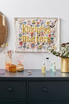 ★Urban Outfitters★タペストリー・Kindness Matters