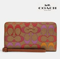 【COACH】Large Phone Wallet In Rainbow SignatureCanvas C1872