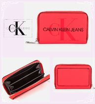 関税送料無料★Calvin Klein Jeans★Accordion Zip Around