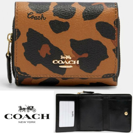 COACH Small Trifold Wallet レオパードプリント