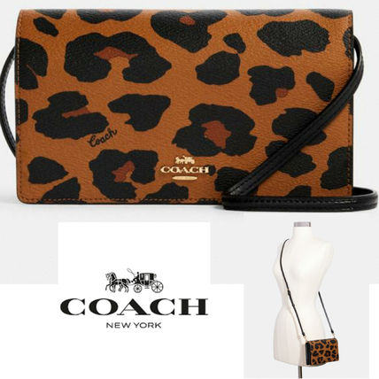 COACH Anna Foldover Crossbody Clutch レオパードプリント