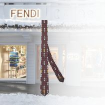 新作入荷【FENDI】Cravate en soie multicolore