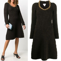 BV104 KNIT DRESS WITH CHAIN DETAIL