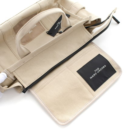 MARC JACOBS トートバッグ 【最短翌日着】MARC JACOBS SMALL TRAVELER TOTE A4OK M0016161(11)