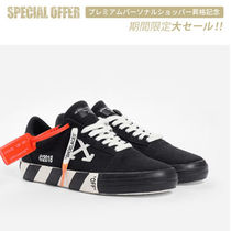 Off-White | VULCANISED STRIPED LOWTOP スニーカー WOMEN 黒
