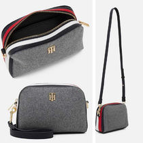 Tommy Hilfiger TH ESSENCE MELTON ショルダーバッグ