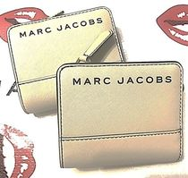 Marc Jacobs ロゴ ミニコンパクト ウォレット ユニセックス