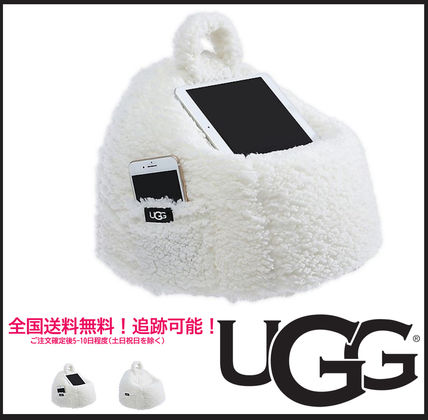 ★UGG★日本未発売Classic Poof Tablet Pillow ピロークッション