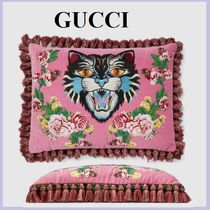 GUCCI(グッチ) クッション・クッションカバー 【国内発送】Velvet cushion with Angry Cat embroideryセール