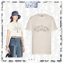"""【Dior】Tシャツ """"WE RISE BY LIFTING OTHERS"""""""