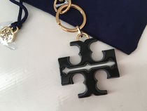 Tory Burch RESIN LOGO KEYFOB セール