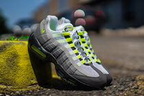 NIKE AIR MAX 95 OG NEON イエローグラデ