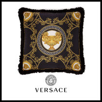 【Versace】La Coupe Des Dieux スクエア シルク クッション