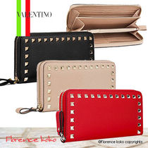 関税込み国内発送 Valentino☆ROCKSTUD ZIP-AROUND Calf WALLET