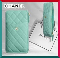 CHANEL クラシックポーチ★iPhone Veau graine★
