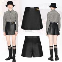 【Dior】レディース WRAP-FRONT SHORTS WITH 'CD' BUCKLE パンツ