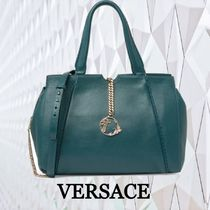 ★SALE☆【VERSACE 】 ロゴカーブチェーントートバッグ