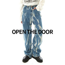 OPEN THE DOOR brush smoke washing jeans