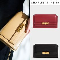 【Charles&Keith】メタリックプッシュロックウォレット
