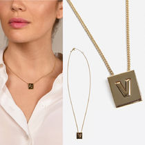 CELINE ALPHABET V NECKLACE IN BRASS WITH GOLD FINISH