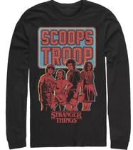Target(ターゲット) Tシャツ・カットソー 【NETFLIX】Stranger Things Scoops Troop Character Pose/ロンT