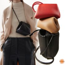 COS(コス) ショルダーバッグ・ポシェット ◆ドイツ発COS国内未入荷◆KNOTTED STRAP LEATHER BAG - BLACK