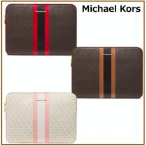 国内発送【Michael Kors】Jet Set Logo Stripe 15 Inch Case