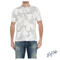 T-SHIRT CON PATCH IN TESSUTO