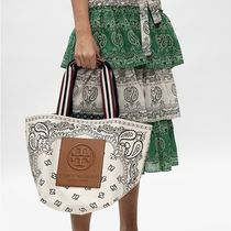 Tory Burch(トリーバーチ) Gracie Reversible Printed Canvas