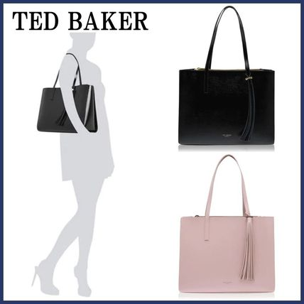 TED BAKER〓タッセル パテントレザーバッグ
