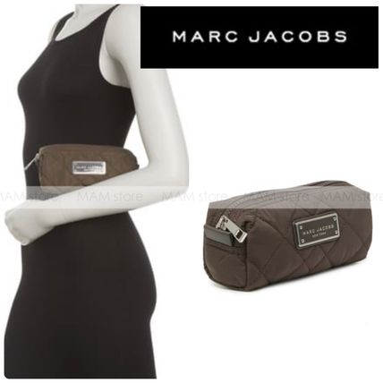 【MARC JACOBS】キルト コスメティック 無地 コンパクト case