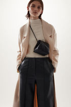 """COS(コス) ショルダーバッグ・ポシェット """"COS"""" 新作☆KNOTTED STRAP LEATHER BAG(black)"""