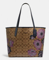 5697 City Tote In Signature Canvas With Kaffe Fassett Print