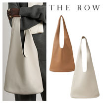 THE ROW ザ・ロウ Bindle Three textured-leather shoulder bag