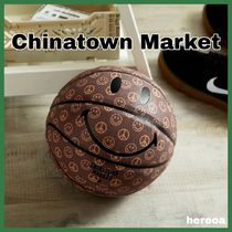 送料関税込【CHINATOWN MARKET】SMILEY CABANA BASKETBALL Brown