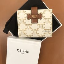 【CELINE】新サイズ♪SMALL STRAP WALLET IN TRIOMPHE CANVAS