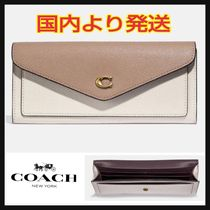 【COACH】Wyn Soft Wallet In Colorblock カラーブロック C2622