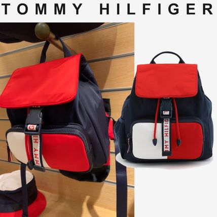 TOMMY HILFIGER フラッグカラーバックパック 大人もOK すぐ届く