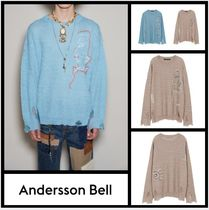 ANDERSSON BELL UNISEX LINEN EMBROIDERY FACE CREWNECK SWEATER