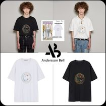 [ANDERSSON BELL]★UNISEX SMILE EARTH EMBROIDERY T-SHIRT
