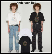 【ANDERSSON BELL】UNISEX SMILE EARTH EMBROIDERY T-SHIRT