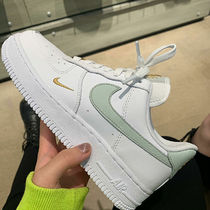 Nike WMNS AIR FORCE 1 '07 ESS エアフォース 1 エッセンシャル