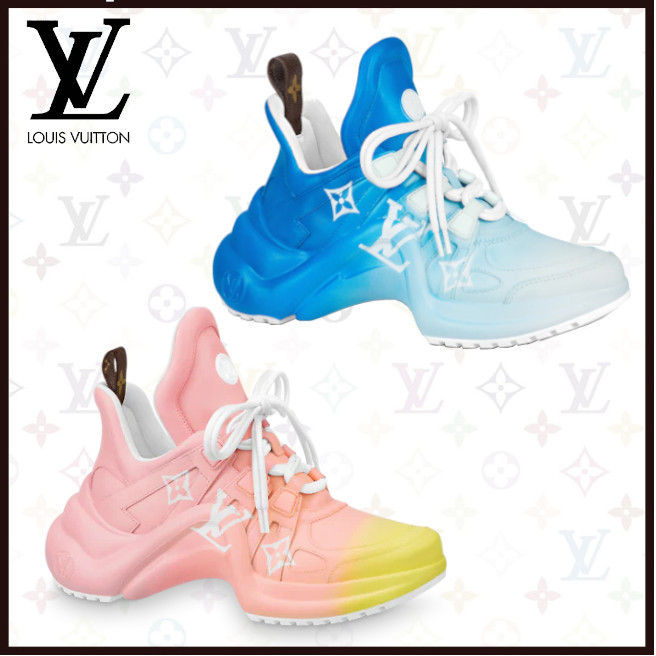 【21SS直輸入】ルイヴィトン LVアークライト・ライン スニーカー (Louis Vuitton/スニーカー) 1A8SY4 / 1A8SY5_ 1A8SYK / 1A8SYL  1A8SY6 / 1A8SY7_ 1A8SYM / 1A8SYN  1A8SY8 / 1A8SY9_ 1A8SYO / 1A8SYP