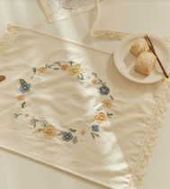 【DECO VIEW】Flowerless Embroidered Lace Table Mat