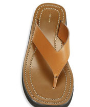 ● The Row Ginza Leather Thong Sandals ● Caramel