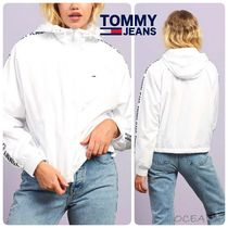 【Tommy Jeans】Tape Sleeve 軽量 ウインドブレーカー 袖にロゴ